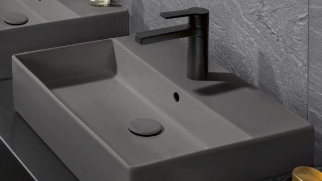 Das Bild zeigt ein Waschbecken mit Überlauf.