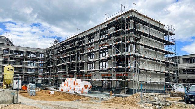 Foto: In einem umfangreichen Bauprojekt in Regensburg verantwortet die Reiter Gebäudetechnik GmbH die Heizungsinstallation. Um die Heizwasserqualität in diesem komplexen Objekt auch über die unterschiedlichen Projektphasen sicherzustellen, hat der SHK-Fachbetrieb den Hersteller UWS Technologie mit ins Boot geholt.