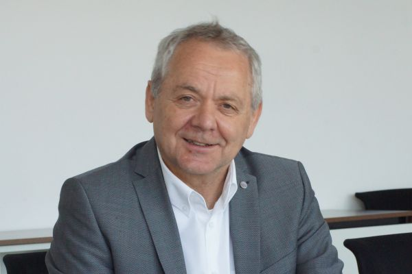 """""""Im HVAC-Markt setzt sich nun bei vielen Kunden so langsam die Erkenntnis durch, dass der Wärmeübertrager nicht nur eine für den Prozessablauf notwendige technische Komponente ist, sondern ein eigenes Produkt,"""" betont Peter Streit, seit Januar 2020 Geschäftsführer der Funke Wärmeaustauscher Apparatebau GmbH."""