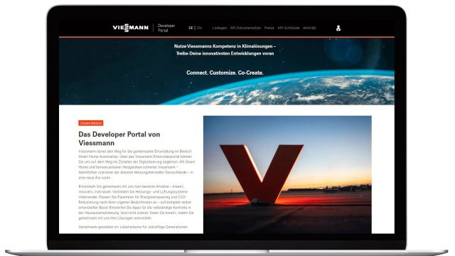 Zu sehen ist ein aufgeklappter Laptop, der das Developer Portal von Viessmann zeigt.