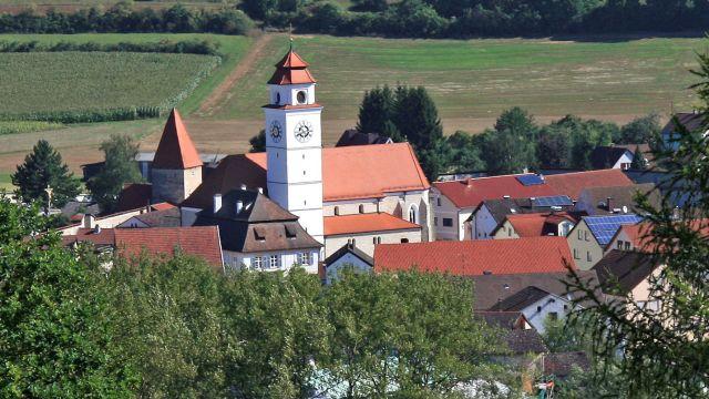 Die 3000-Seelen-Gemeinde Dollnstein wird seit 2014 über ein intelligentes Nahwärmenetz mit nachhaltiger Wärme versorgt.
