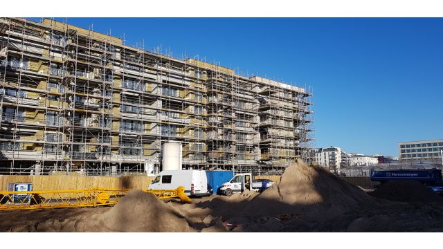 Gerade in den Metropolen, wo es am nötigsten wäre, geht die Anzahl der Baugenehmigungen für Mietwohnungen massiv zurück.