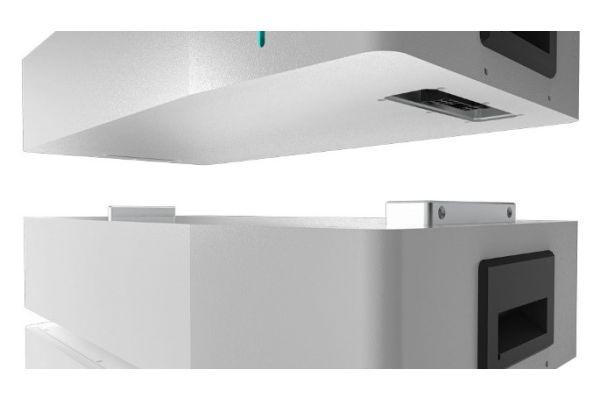"""Modularer Aufbau: Der """"Energy-Butler"""" lässt sich auf eine Kapazität von bis zu 30,7 kWh erweitern."""