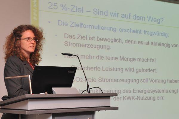 Sabine Gores vom Öko-Institut berichtete über den Einsatz der KWK in Deutschland.