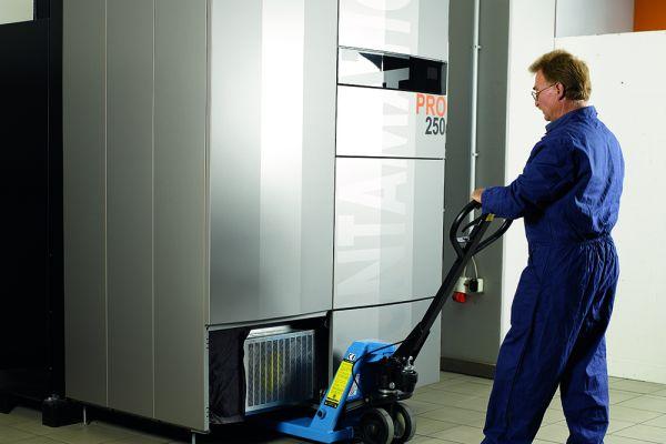 """Die modularen """"PRO""""-Mehrkammer-Anlagen mit Treppenrosttechnologie für die Brennstoffe Pellets und Hackgut werden in Serie gefertigt und nutzen ausgereifte Standard-Bauteile."""