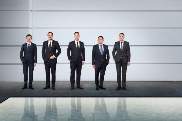 Der Vorstand der Wilo Gruppe (v.l.n.r.):  Dr. Markus Beukenberg (CTO), Eric Lachambre (COO), Oliver Hermes (Vorsitzender des Vorstands & CEO), Mathias Weyers (CFO) und Carsten Krumm (COO).