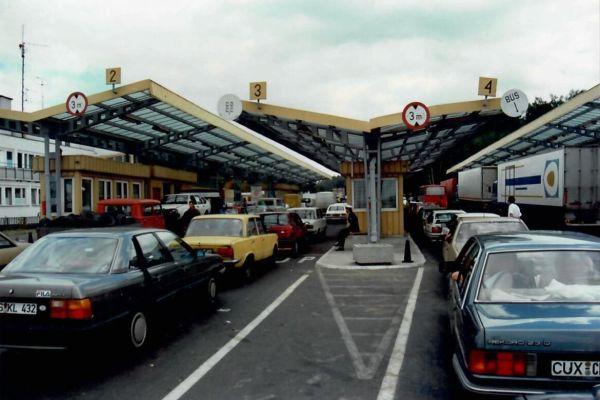 Frankfurt/Oder, Grenze nach Polen. Go East. Mit dem Mauerfall öffnete sich für die deutsche Heizungsindustrie auch der Weg nach Osteuropa.