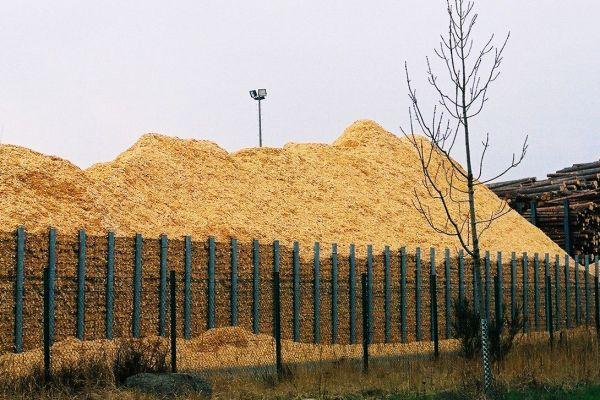 Die Konzepte zur Energiewende setzen auch auf Biomasse wie Pellets und Scheitholz.