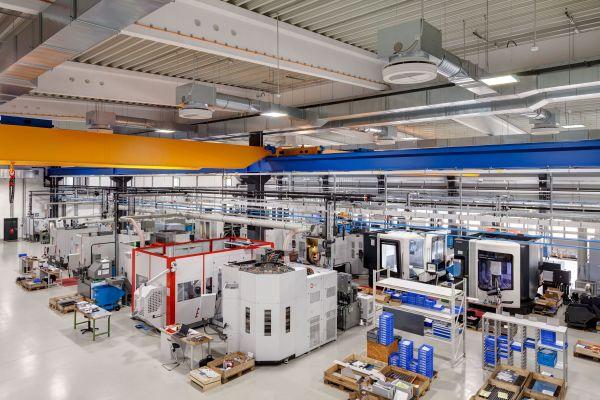 Blick in die Produktionshalle von Stangl & Co.