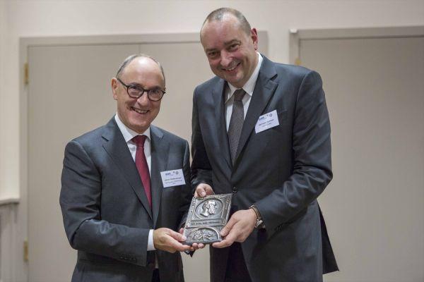BTGA überreicht Hermann-Rietschel-Plakette