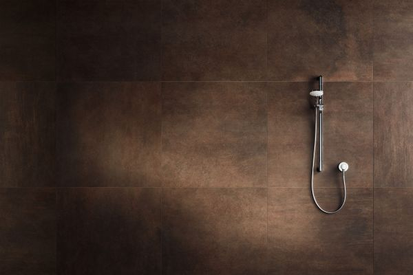 Preisgekrönter Minimalismus in der Dusche