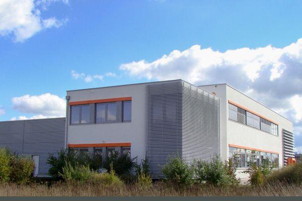 Das Bild zeigt den erweiterten Firmensitz von varmeco.