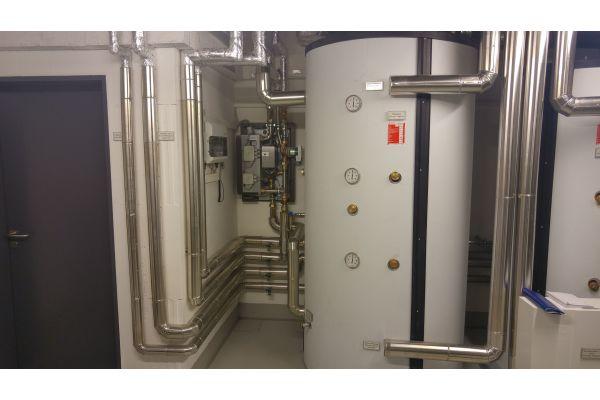"""Die """"LogoFresh""""-Frischwasserstationen eignen sich für alle Systeme mit Heizungspufferspeicher und erlauben somit auch die Einbindung regenerativer Energiequellen."""