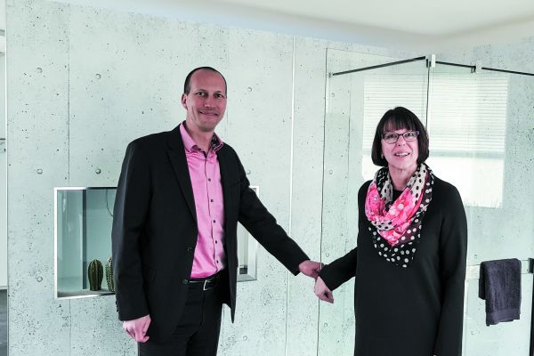 Daniel Uebersax und Petra Meier haben Duscholux nach den Turbulenzen vor mehr als zehn Jahren sukzessive wieder aufgebaut – und kommunizieren die neu erstarkte Marke mit ihren Kernwerten jetzt auch offensiv nach außen.
