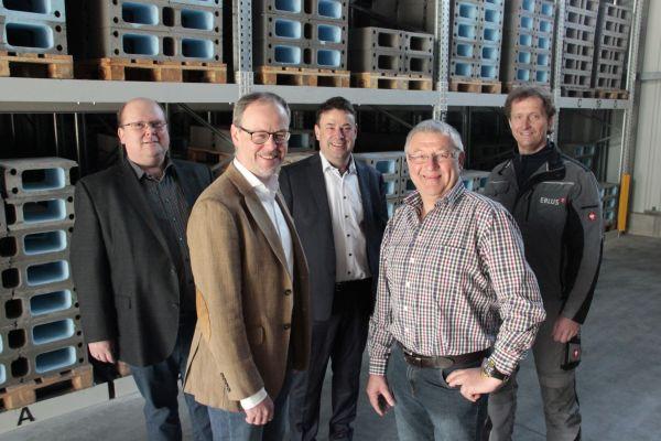"""Das Erlus-Entwicklungsteam """"Via Vento S"""" (v.l.n.r.): Jürgen Böhm, Markus Schulte, Holger Lanz, Josef Beck und Alexander Wimmer."""