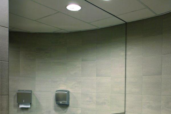 Das Bild zeigt elektronisch gesteuerten Armaturen von Grohe.