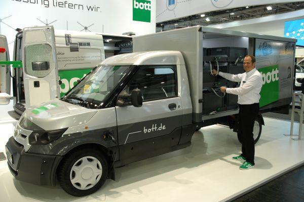 Fahrzeugeinrichtungen punkten mit Transportsicherheit und Arbeitseffizienz