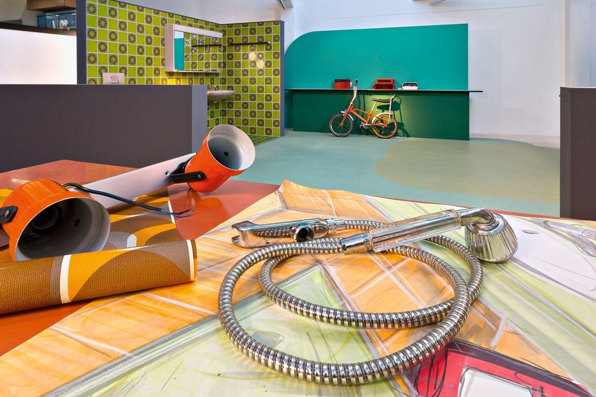 die dusche von den ersten brausen zum digitalen duschen. Black Bedroom Furniture Sets. Home Design Ideas