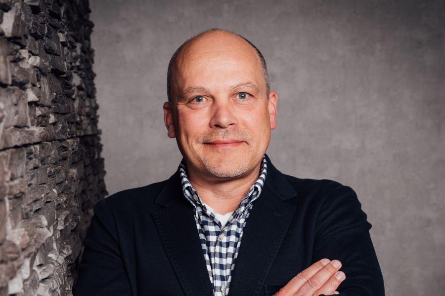 Das Bild zeigt Mathias Jörling.