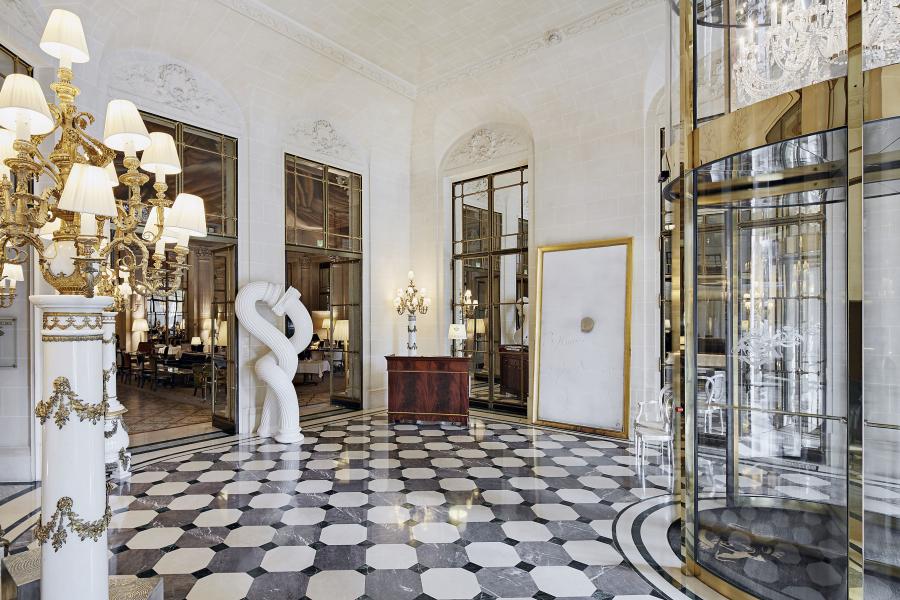 """Ein wahrhaft royales Ambiente bietet das wegen seiner zahlreichen königlichen Gäste auch """"Hotel des Rois"""" genannte Fünf-Sterne-Hotel Le Meurice in Paris."""