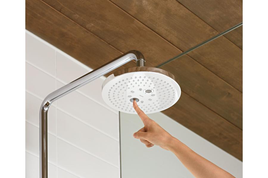 Per Knopfdruck ist es möglich, direkt am Duschkopf ganz einfach von einem in den anderen Modus zu wechseln.
