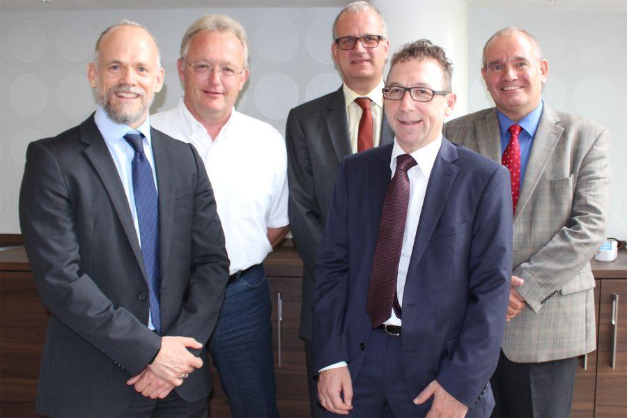 Das Bild zeigt (v.l.n.r.):  Alexander Dehnelt (GMS-Vorstandsvorsitzender), Christian Bruse  (stellv. GMS-Vorstandsvorsitzender), Peter Diekmann,  Jürgen Christian Schütz sowie Hilbert Wann (Geschäftsführer GMS e.V.).