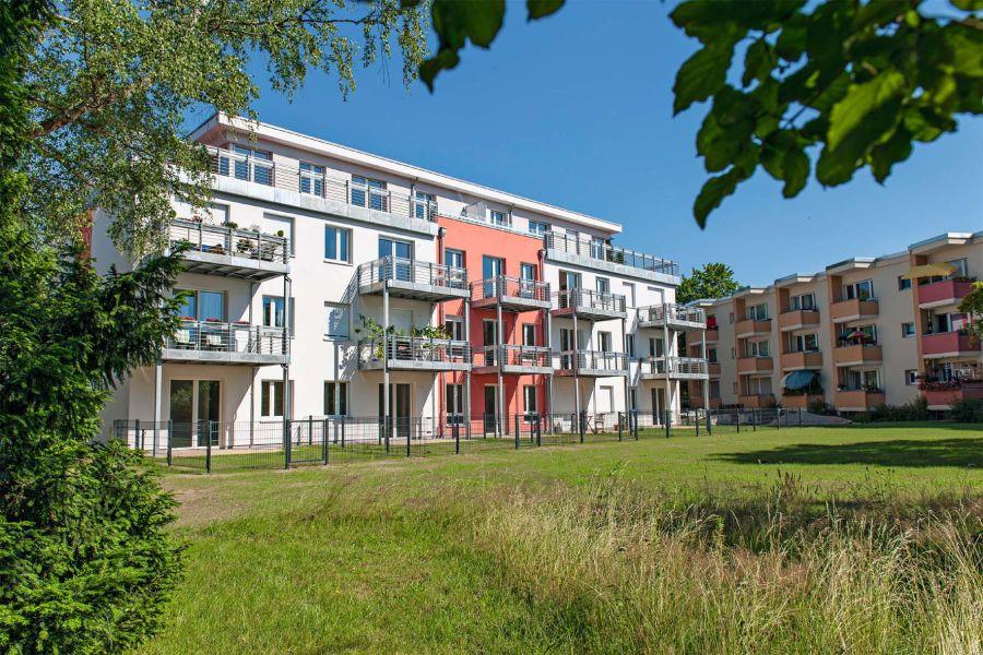 Die Genossenschaft Märkische Scholle hat sich die Sanierung von Bestandsbauten auf die Fahne geschrieben. In Berlin-Lichterfelde saniert sie gleich einen ganzen Straßenzug.