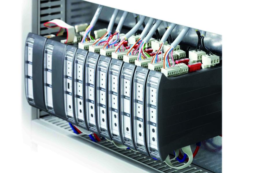 """Bild der modularen RWA-Steuerzentrale """"MBZ 300""""."""