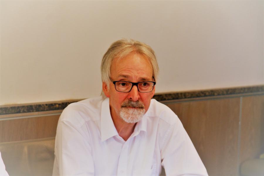 Heinz Eckard Beele spricht beim Expertentreff über den Hydraulischen Abgleich.