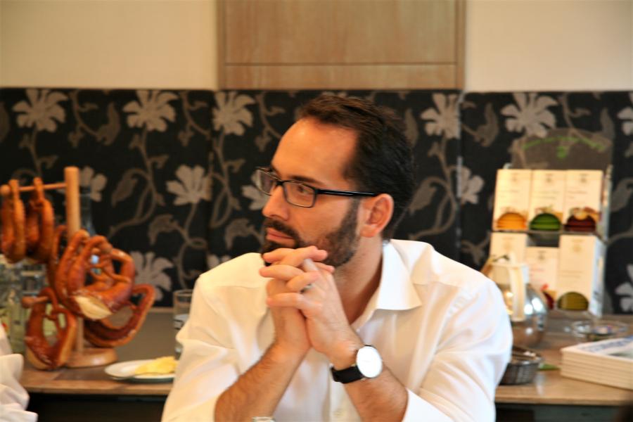 Michelino Sansone im Dialog.