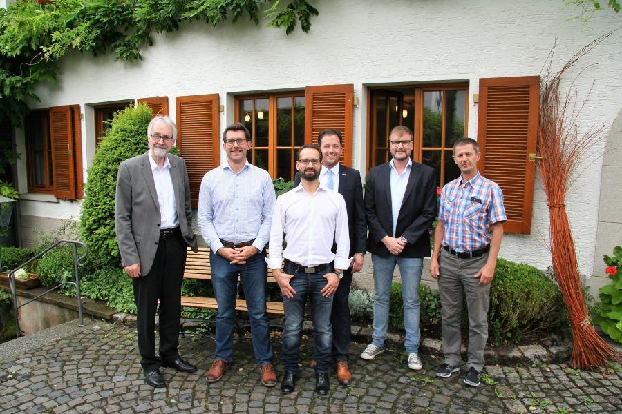 Gruppenfoto der Teilnehmer des Expertentreffs zum Hydraulischen Abgleich.