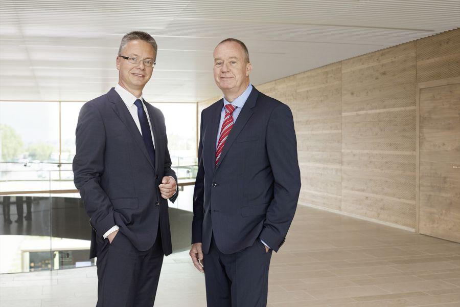 Das Bild zeigt Geschäftsführer Dr. Nicholas Matten (rechts) und Dr. Kai Schiefelbein.