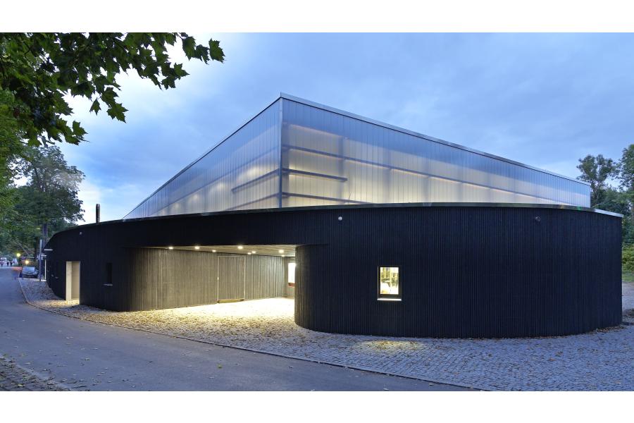 Die Eishalle in Freising.