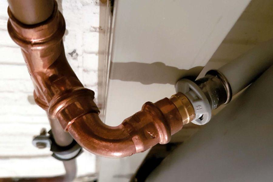 Freie Werkstoffwahl für freie Bürger – oder künftig nur noch Kunststoff statt Kupfer, weil es die Wasserqualität (das Wasserwerk?) so will, das ist aktuell die Gretchenfrage…