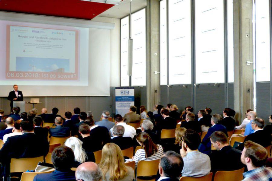 Teilnehmer bei einem Vortrag auf dem 3. Münchner BIM-Kongress.