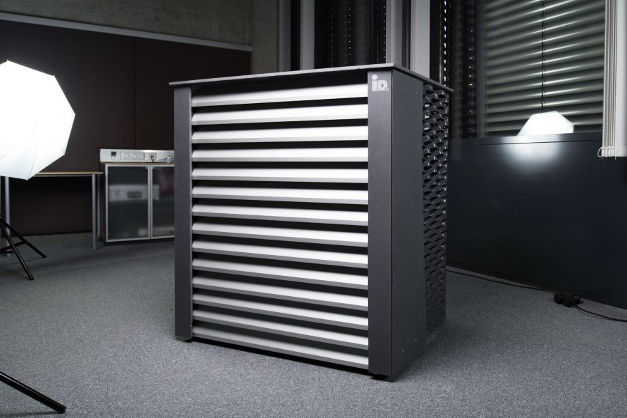 Die Außeneinheit der Luft-Wasser-Wärmepumpe