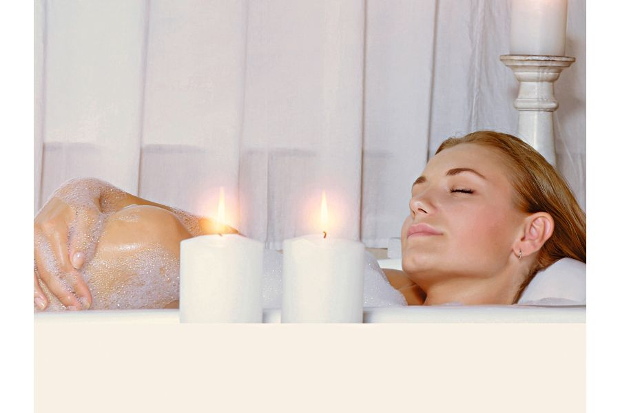 Ein warmes Bad entspannt und dient der Gesundheit.