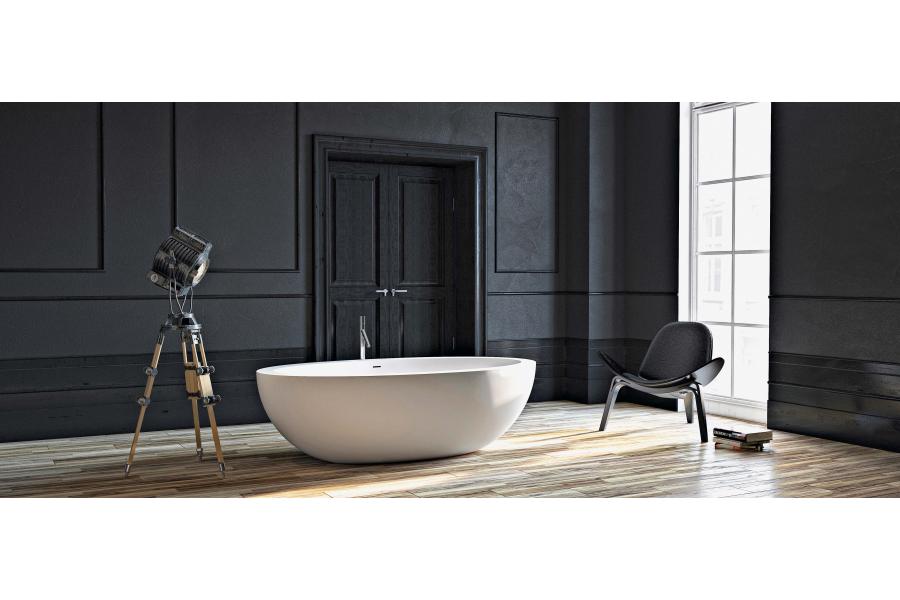 """Mit der freistehenden Badewanne """"Verdon"""" der jungen Bad-Design-Marke Vallone wird das Privatbad zur luxuriösen Hotelsuite."""