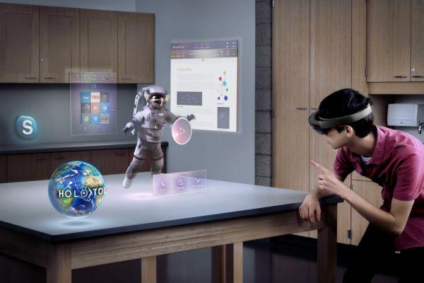 Die Microsoft Hololens im Einsatz.