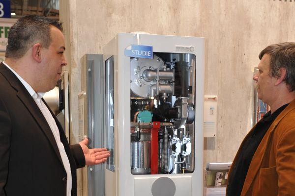 Der EcoGen EnergyTower von Brötje auf der Messe.