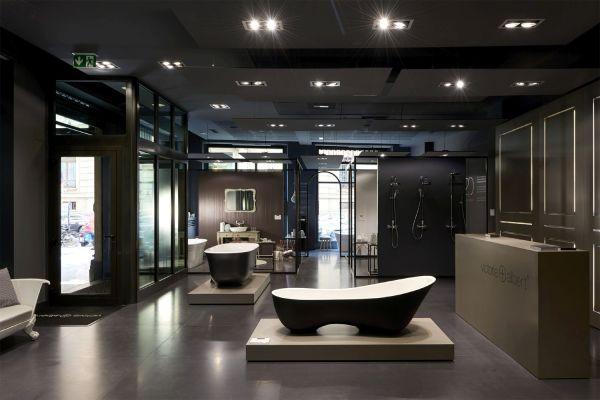 Das Bild zeigt den mailändischen Showroom von Victoria + Albert.