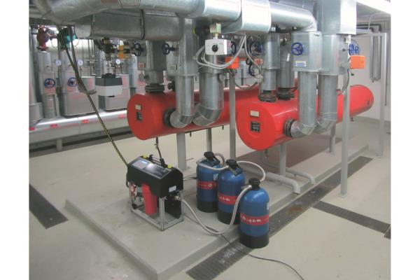 """Heiß begehrt und tausendfach bewährt: """"permaLine""""-Systemwasseraufbereitung"""