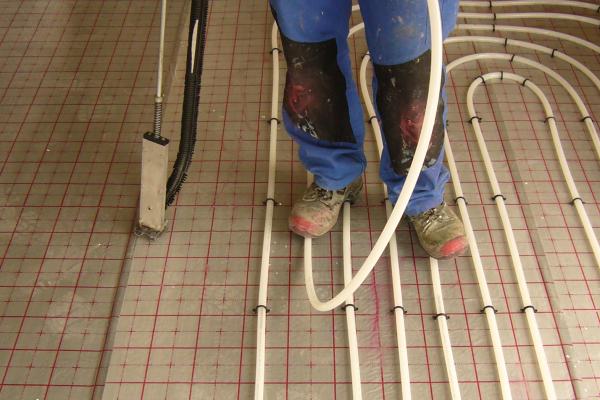 Fußbodenheizungen fachgerecht und betriebssicher verlegen