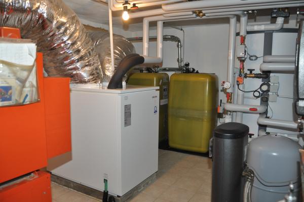 Hybridsystem: Wärmepumpe plus alter Brenner