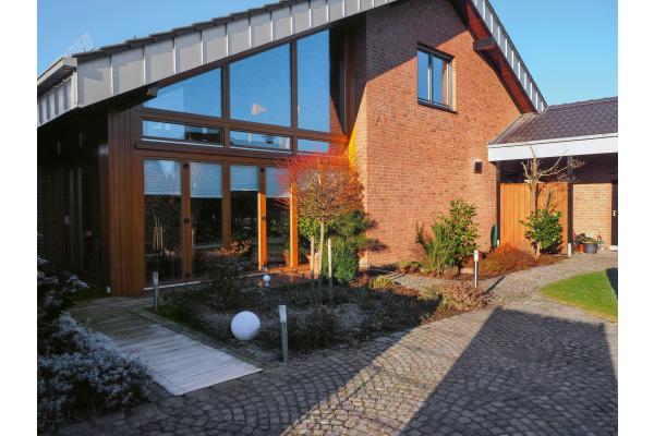 Dezentrale Wohnraumlüftung im Einfamilienhaus nachgerüstet
