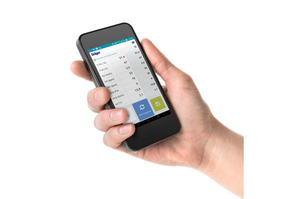 Die Dräger-App wird auf einem Smartphone angezeigt.