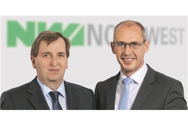 Das Bild zeigt Finanzvorstand Jörg Simon, Vorstandsvorsitzender Bernhard Dressler.