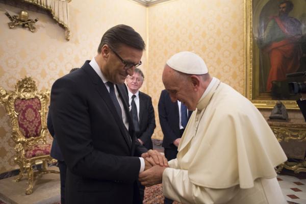 Neue Beleuchtung für den Petersdom