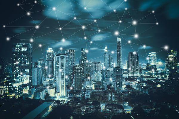 Die Grafik zeigt digital vernetzte Gebäude.