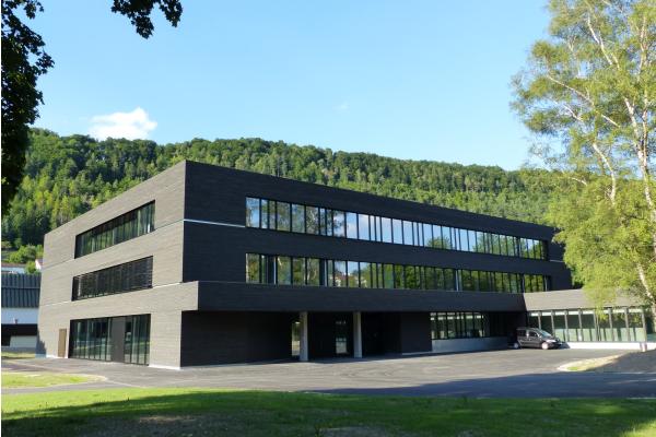 Flexibles Lichtsteuerungssystem für Blautopf-Schule